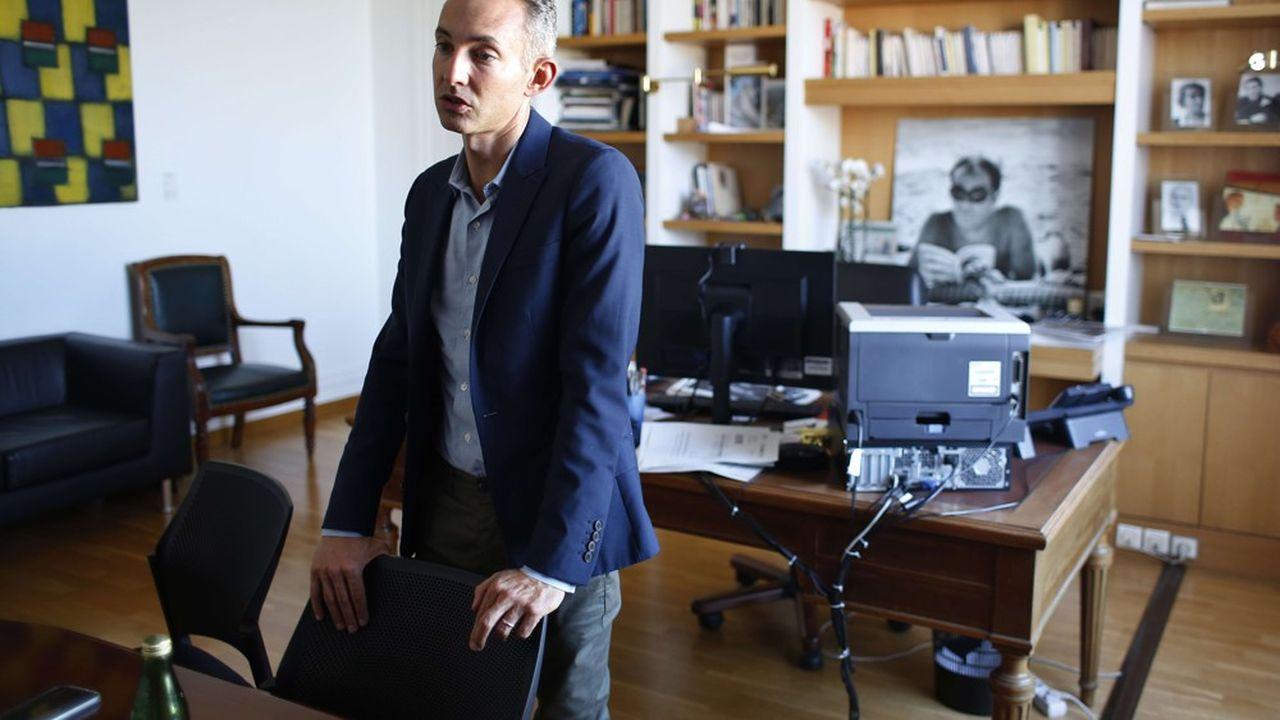 L'adjoint au logement à la mairie de Parie, Ian Brossat, considère Airbnb comme responsable de la saturation du marché de l'immobilier