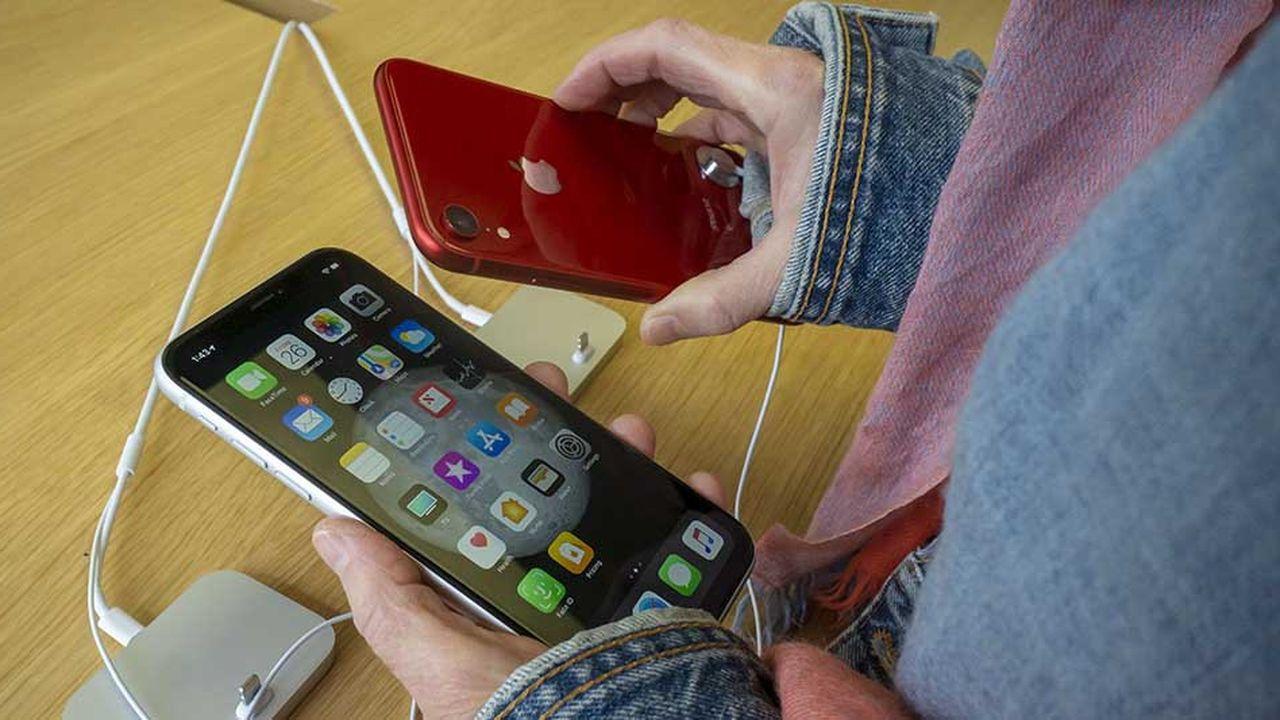 Depuis leur lancement cet automne, les nouveaux modèles d'iPhone peinent à séduire