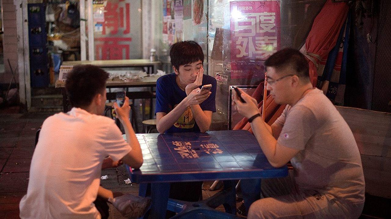 Fondé en 2011 par Tencent, WeChat s'est imposé comme l'application à tout faire des Chinois. La messagerie avait franchi la barre du milliard d'utilisateurs en mars2018.