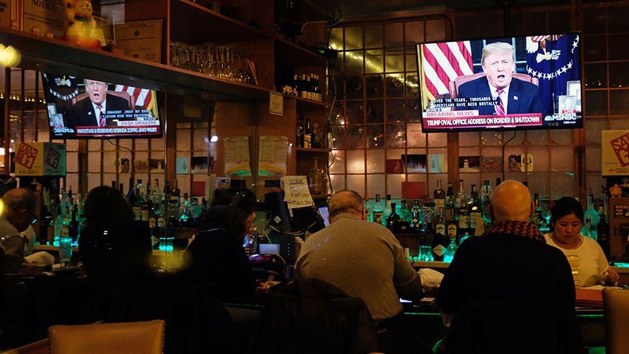 Donald Trump a prononcé mardi soir une allocution de 9 minutes depuis le bureau ovale diffusée à la télévision - la première en deux ans de présidence.