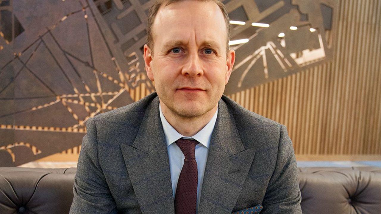 Havas renforce son profil anglo-saxon avec la nomination de Chris Hirst, CEO d'Havas UK et Europe, comme patron Monde des agences de communication du groupe (BETC excepté).