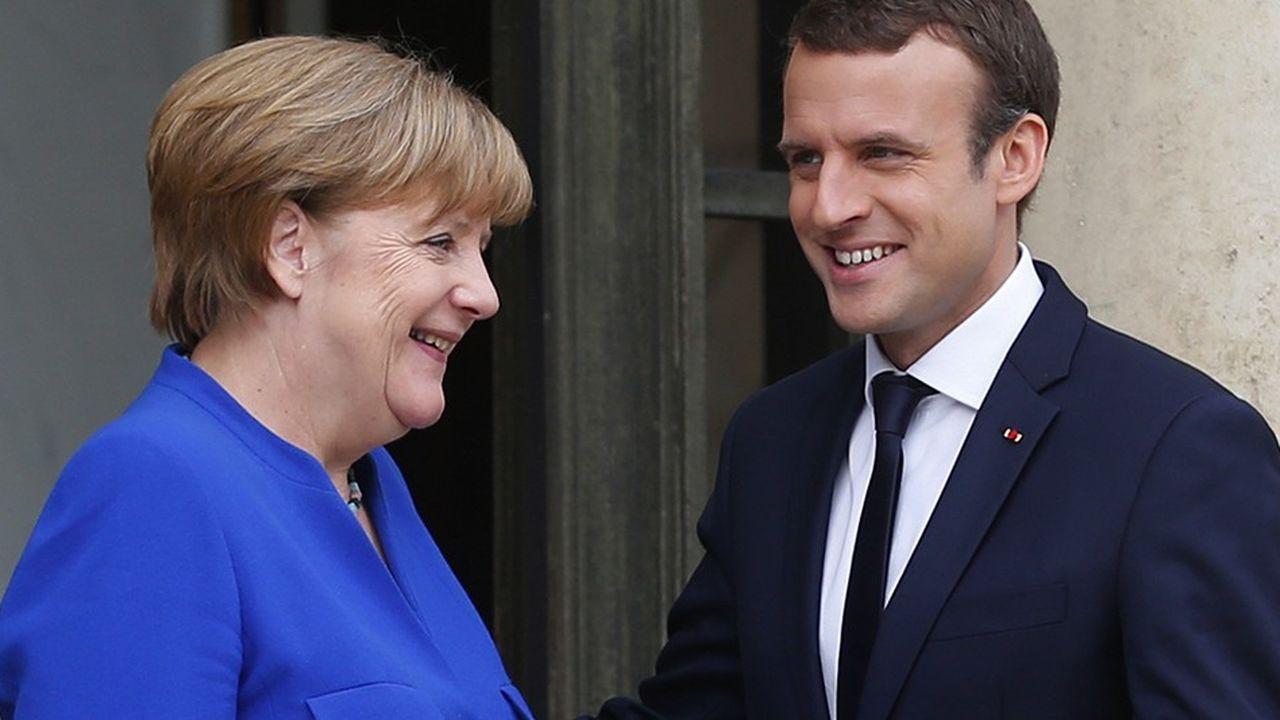 Angela Merkel et Emmanuel Macron signeront à Aix-la-Chapelle le 22janvier un nouveau traité destiné à compléter celui de l'Elysée, signé il y a 56 ans.