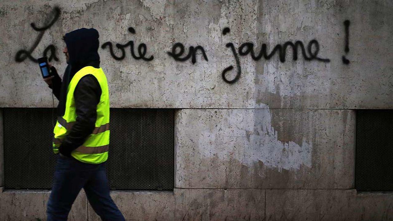 Le dispositif de sécurité prévu samedi va renouer avec son niveau de mi-décembre: 80.000 policiers et gendarmes mobilisés, dont 5.000 à Paris, avec «14 véhicules blindés sur roues de la gendarmerie», selon le préfet de police.