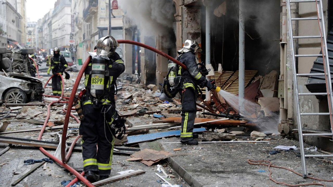 L'explosion dans cette boulangerie du 9e arrondissement serait due à une fuite de gaz.