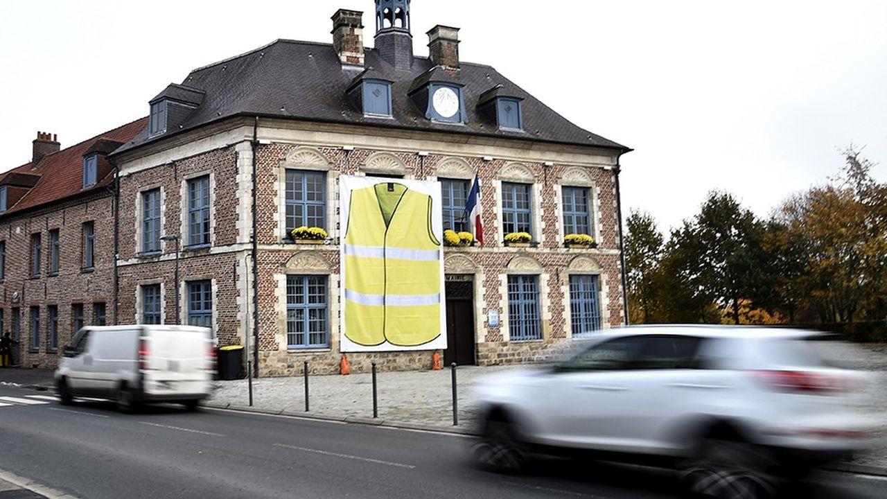 La mairie de Morbecque dans le nord de la France début novembre.