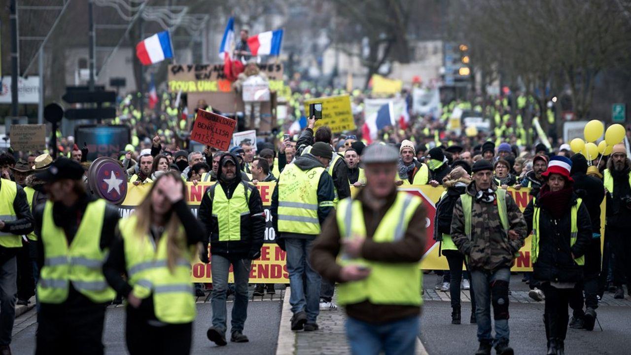 Des «gilets jaunes» à Bourges (Cher), pour le neuvième acte du mouvement.