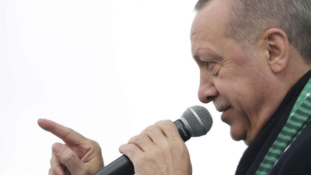 «Les terroristes ne peuvent pas être vos partenaires et alliés», a répondu le gouvernement de Recep Tayyip Erdogan à Donald Trump, qui a menacé de «dévaster économiquementla Turquie» en cas d'attaque contre les forces kurdes de l'YPG en Syrie.