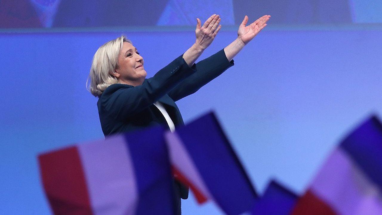 Marine Le Pen, ce dimanche, lors du meeting qu'elle a tenu à Paris lançant la campagne des élections européennes du RN.