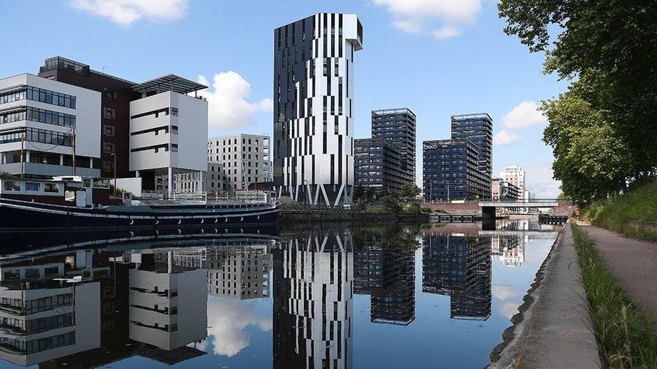 A Strasbourg, il y a unan, la tour de logements passive d'Elithis avait déjà beaucoup innové. Les logements ont notamment été livrés avec une application smartphone liée à la box du logement mesurant les consommations, qui prodigue des conseils personnalisés de maîtrise des dépenses.