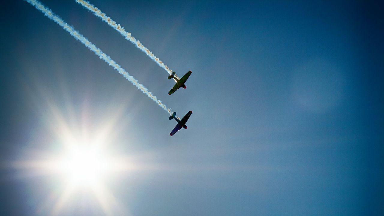 aircraft-377697_1920.jpg