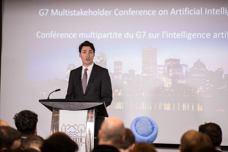 Justin Trudeau : « Nous devons reconnaître qu'avec l'IA, nous entrons dans des territoires inconnus. Aussi excitant que cela paraisse, cela s'accompagne de nombreux défis, et c'est pour cela qu'il faut s'attaquer aux questions éthiques que soulèvent ces technologies »