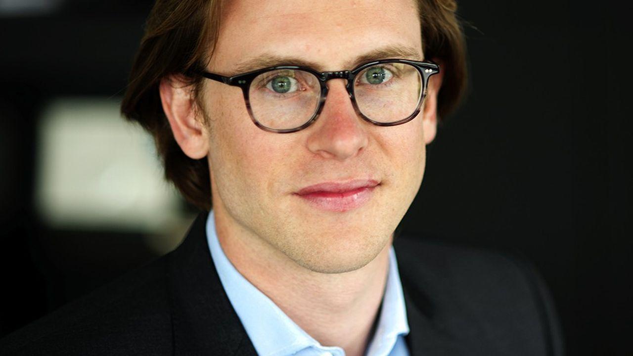 Edward Bouygues, 34 ans, est le directeur de la stratégie de Bouygues Telecom. Fils aîné de Martin Bouygues, il était entré en 2014 chez l'opérateur après un passage dans les activités construction du groupe Bouygues.