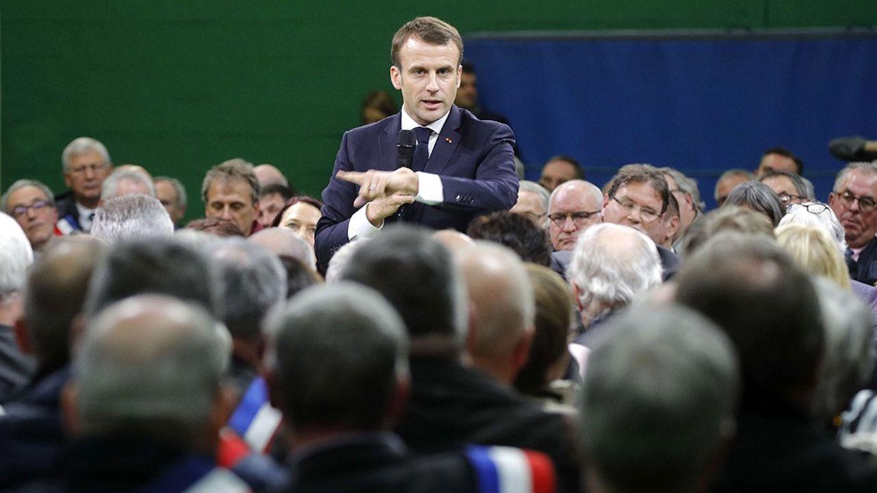 Emmanuel Macron a vanté les avantages du dédoublement des classes de CP et de CE1, mardi, devant les maires et élus de Normandie.
