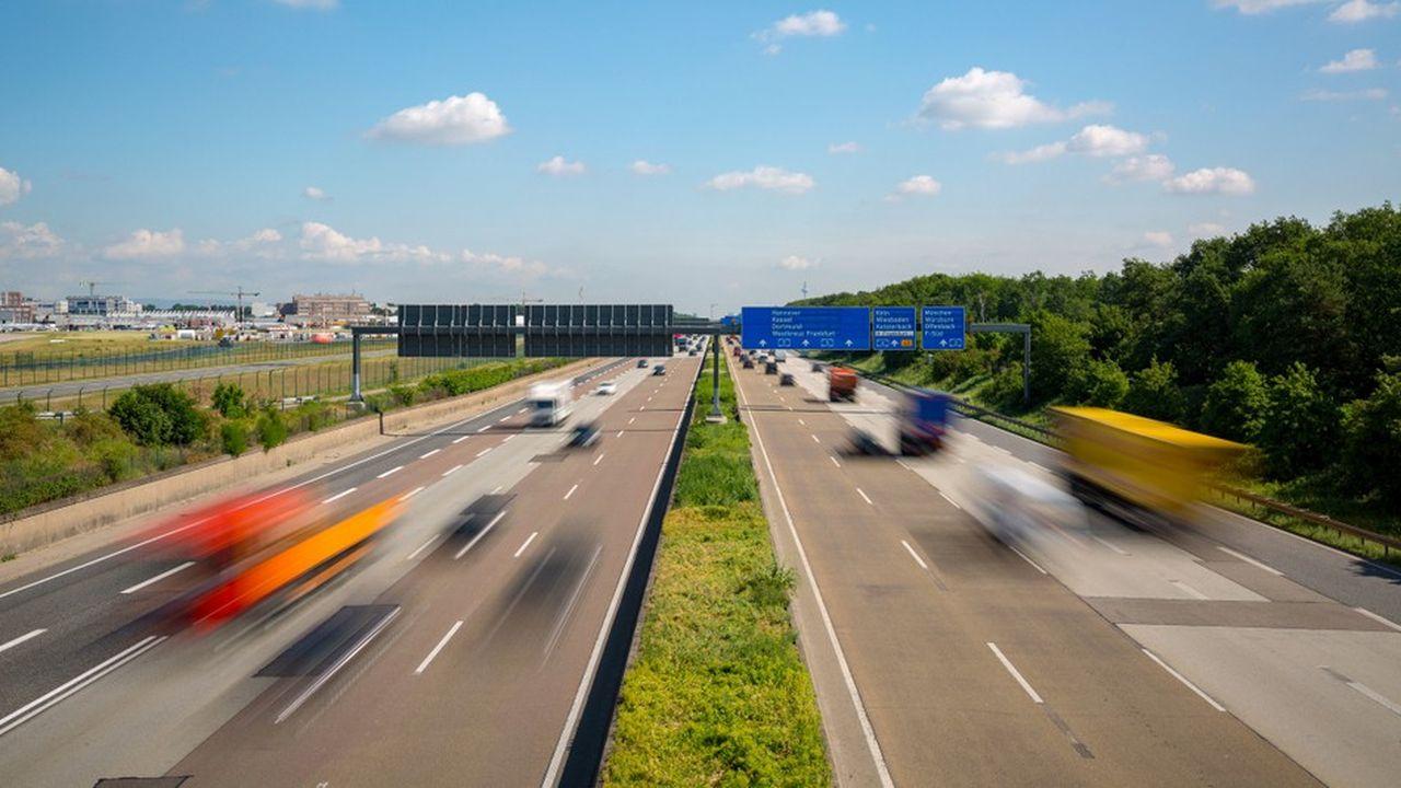 Pour que l'Allemagne puisse atteindre ses objectifs de réduction de CO2 d'ici 2030, les automobilistes pourraient s'y voir imposer une limite à 130km/h sur l'autoroute.