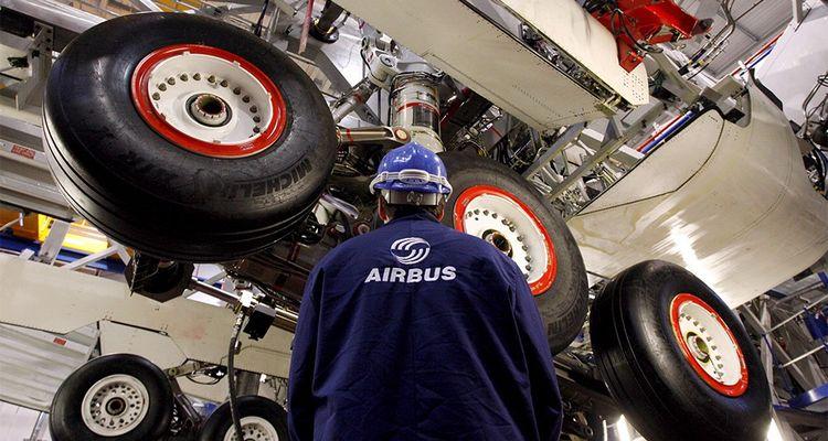 Tout obstacle douanier ou réglementaire à la libre circulation des marchandises entre le Royaume-Uni et l'Union européenne pourrait ralentir ou bloquer la production des chaînes d'assemblage d'Airbus à Toulouse, Hambourg, Montréal, Tianjin et Mobile.