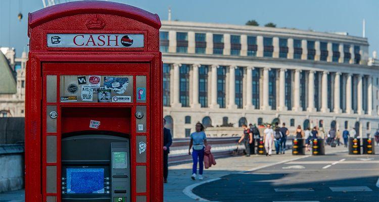 Les paiements et retraits effectués au Royaume-Uni pourraient bien devenir plus coûteux