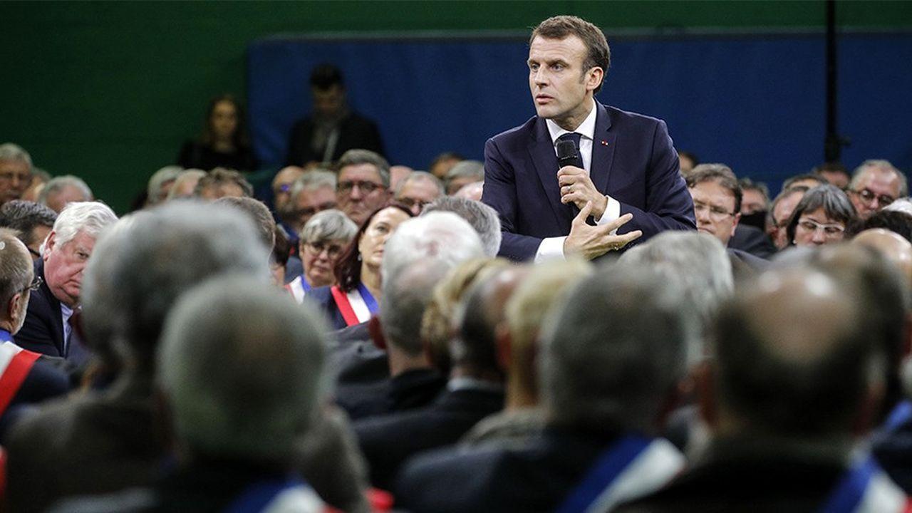 Emmanuel Macron lors de son débat du 15janvier avec 600 maires normands à Grand Bourgtheroulde, dans l'Eure.