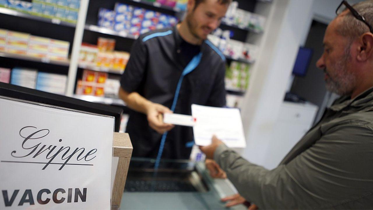 Les personnes pour qui la vaccination contre la grippe est recommandée pourront se faire vacciner dans toutes les pharmacies de France dès l'automne 2019, après le succès d'une expérimentation dans quatre régions.