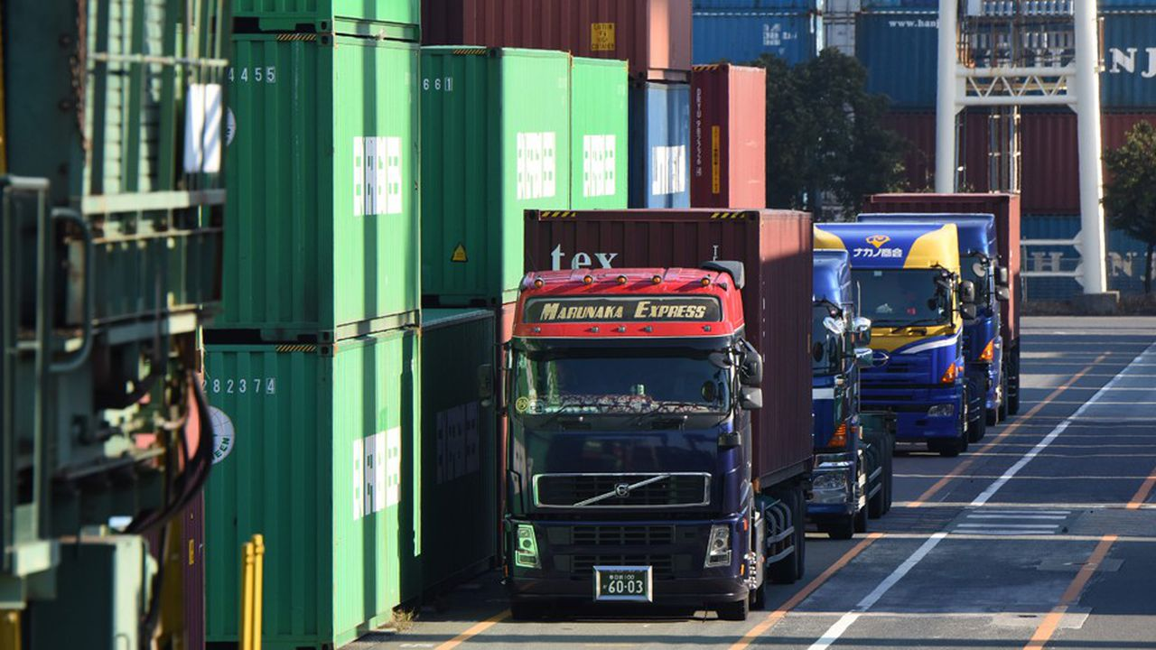 Le faible dynamisme des exportations japonaises n'est pas parvenu à compenser la hausse en valeur des importations