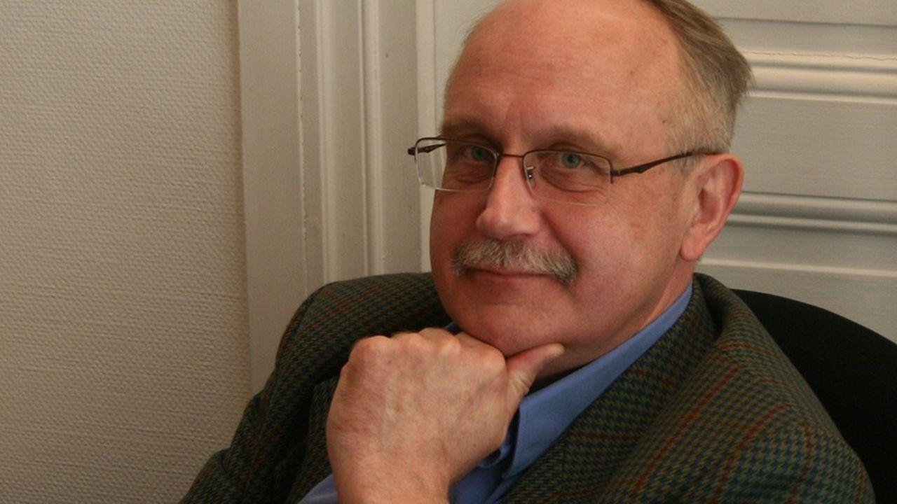 Luc Rouban est directeur de recherches au CNRS et travaille au Cevipof depuis 1996 et à Sciences po depuis 1987.