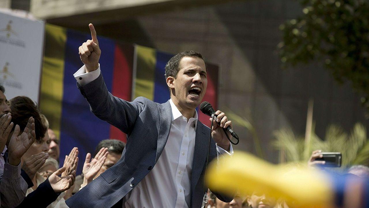 Juan Guaido, le président du parlement seule entité contrôlée par l'opposition, est devenu en quelques semaines le leader de l'opposition