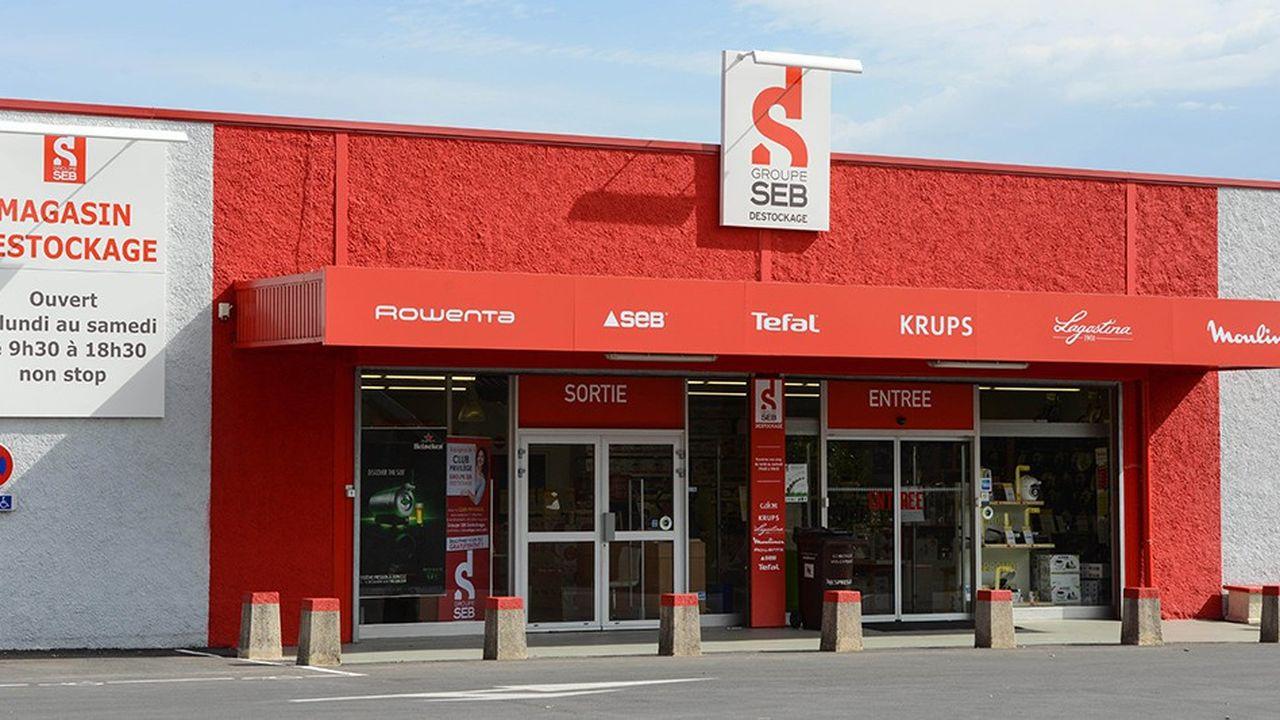 Le groupe de petit électroménager SEB gère, à l'échelle internationale, un réseau de 1.000 magasins.