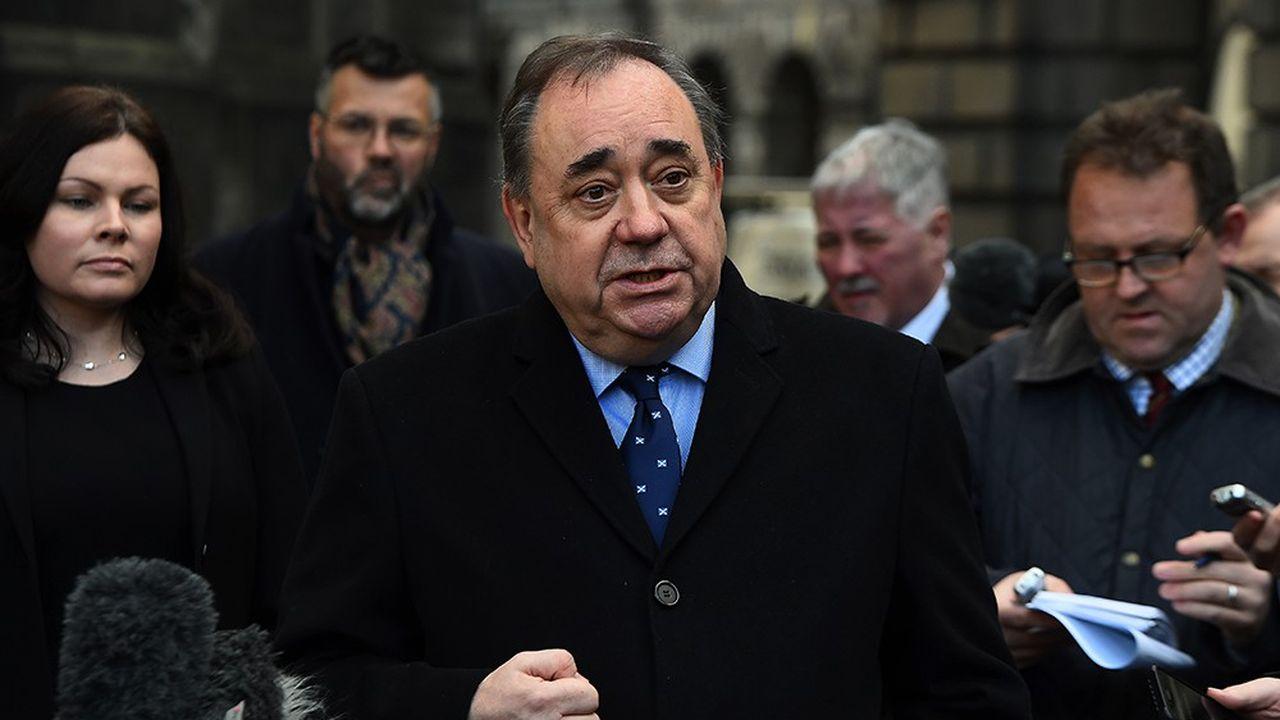 A l'issue de plusieurs mois d'enquête, l'ancien Premier ministre écossais Alex Salmond s'est vu signifier par la justice neuf chefs d'accusation pour agression sexuelle et tentative de viol.