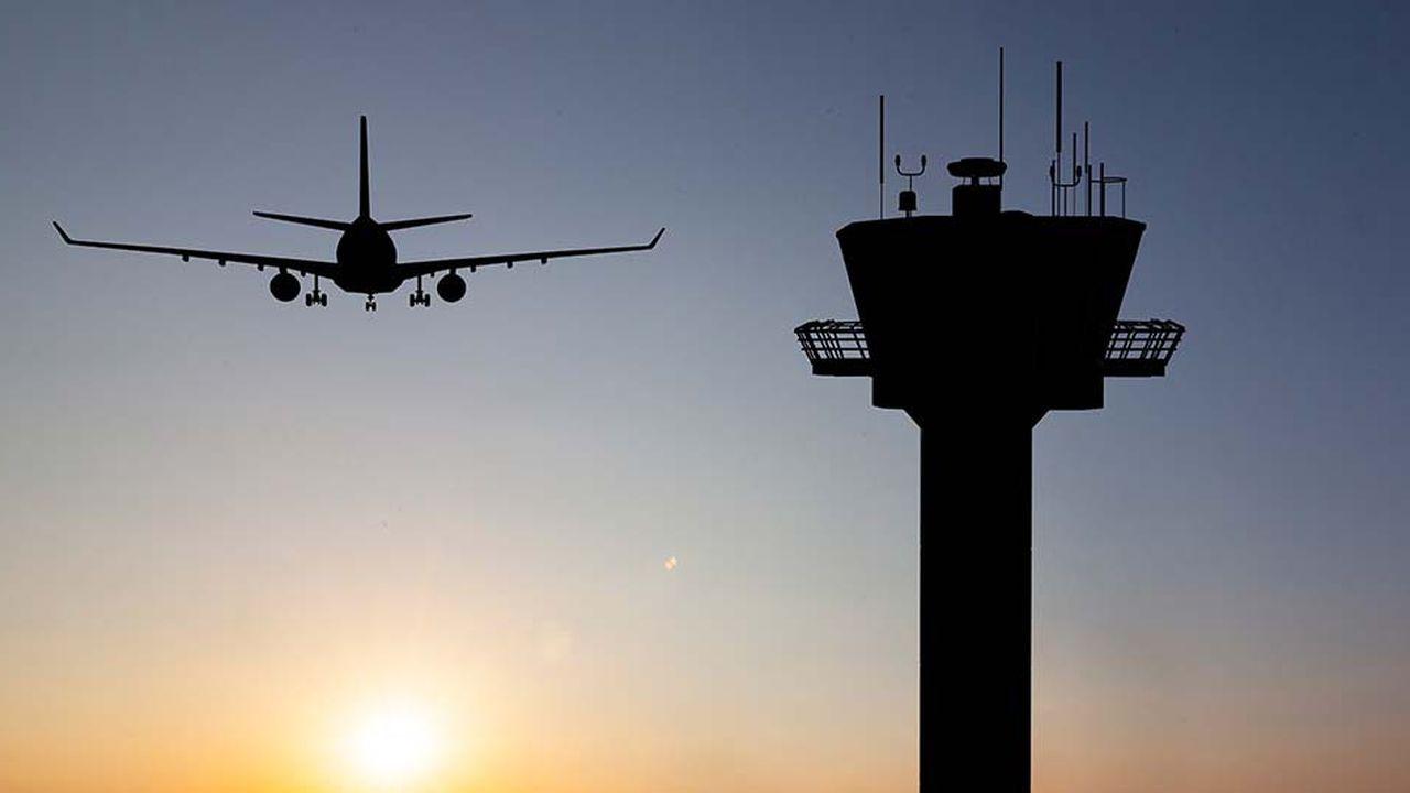 En plein «shutdown», le personnel du secteur aérien doit travailler 10heures par jour et 6 jours par semaine pour compenser les absences, affirment les syndicats