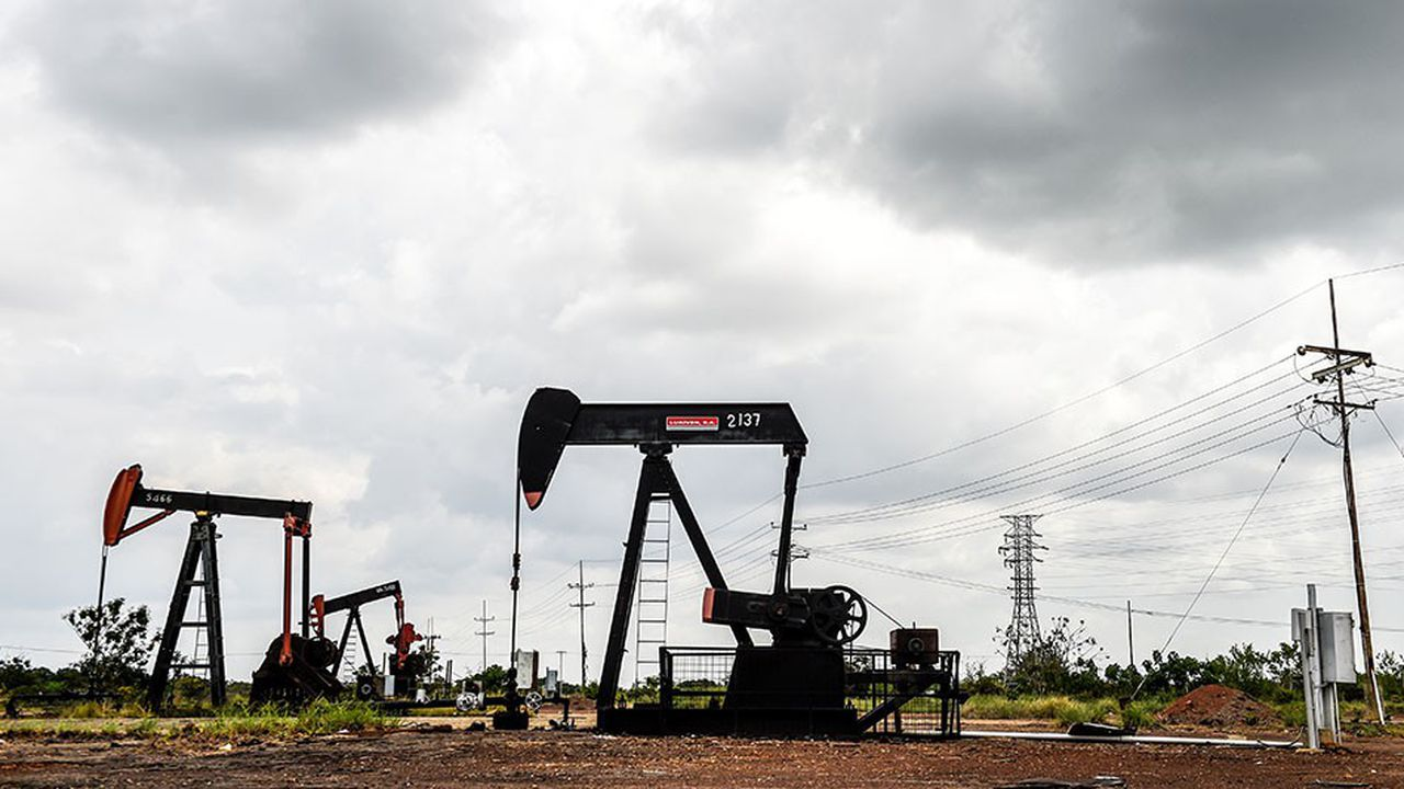 Puits, forages, oléoducs, stockage, raffineries... Les infrastructures pétrolières du Venezuela souffrent d'un manque d'investissements depuis une décennie.