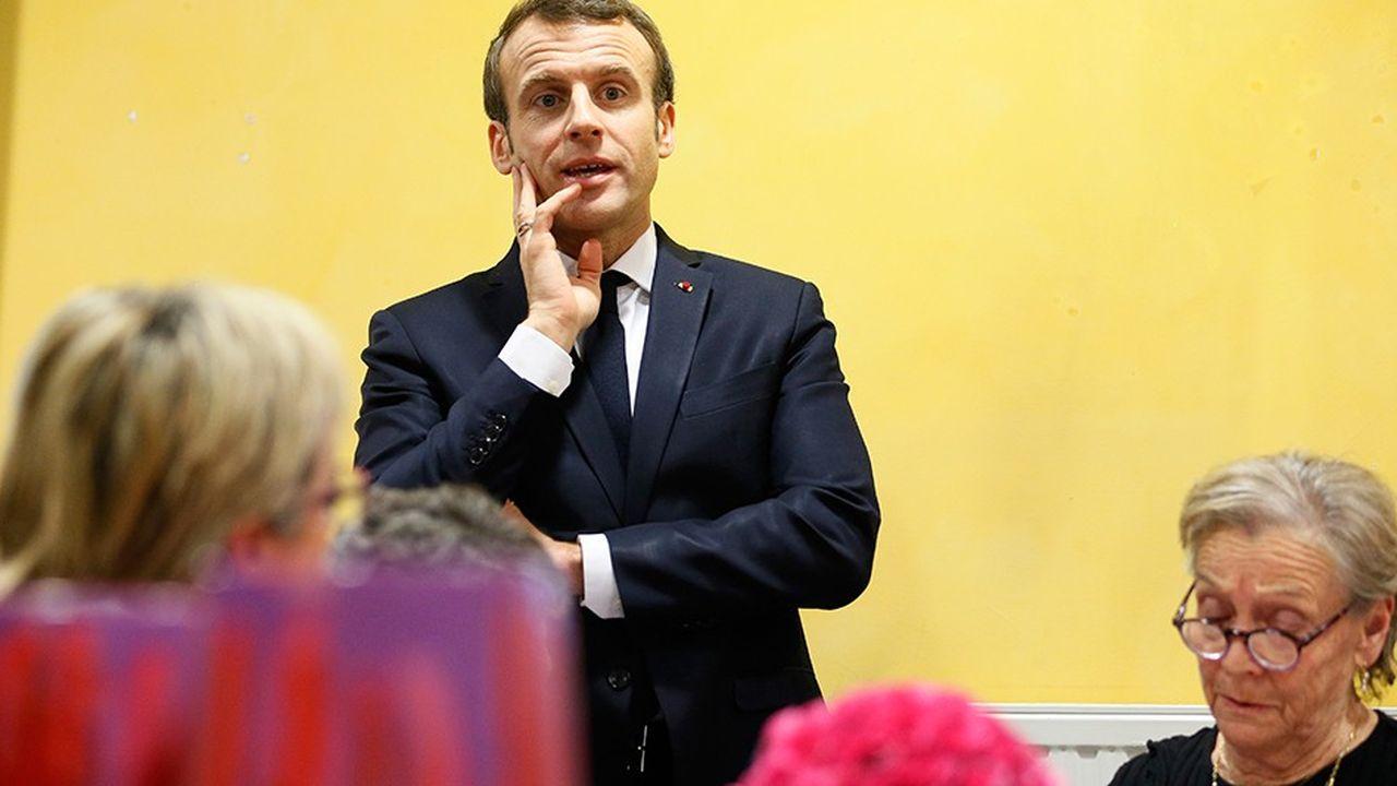 Lors de sa rencontre ce jeudi dans la Drôme avec des élus, Emmanuel Macron ne s'est pas privé de répliquer à Laurent Wauquiez, le président de LR, qui avait fait le déplacement et qui l'a vertement critiqué.