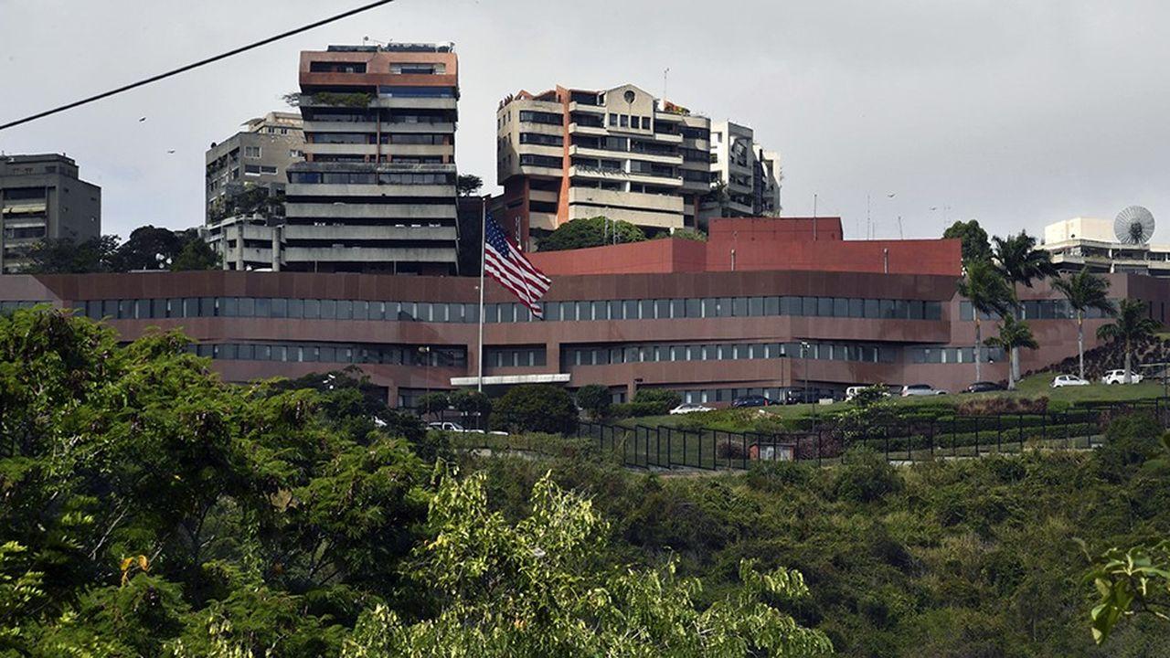 Après que Washington a reconnu le président par intérim Juan Guaido, le régime de Nicolas Maduro a rompu ses liens diplomatiques avec les Etats-Unis, qui ont rapatrié une partie du personnel de l'ambassade à Caracas.