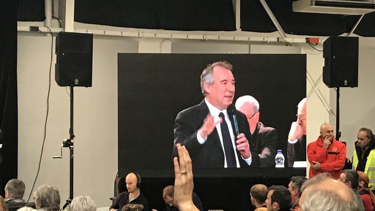 François Bayrou a animé vendredi soir à Pau la première édition d'une série de cinq débats.