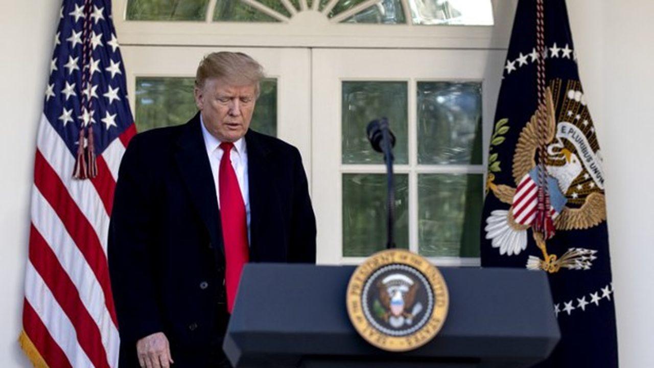 Vendredi, lors de son allocution, Donald Trump a esquissé un geste en lançant : «nous n'avons pas besoin de 2.000 miles de mur en béton, d'une mer à l'autre, nous n'en avons jamais eu besoin »