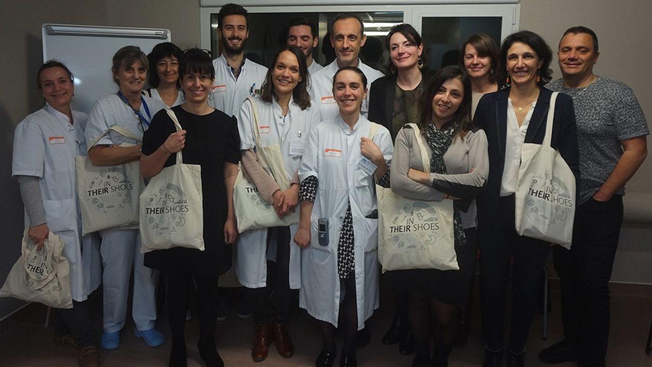 Aux cotés de professionnels de santé, Catherine Fabre (à droite), la députée LREM de la 2e circonscription de Gironde, a participé à l'expérience «In their shoes» au CHU de Bordeaux.