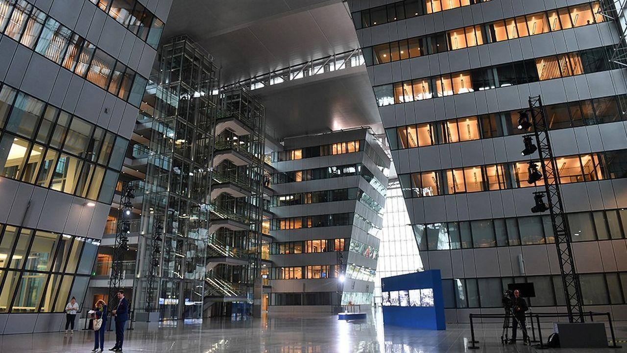 En mars2018, l'Organisation du traité de l'Atlantique Nord (Otan) a déménagé dans de nouveaux locaux à Bruxelles dotés d'installations ultramodernes adaptées au XXIesiècle et à ses 29 pays membres.