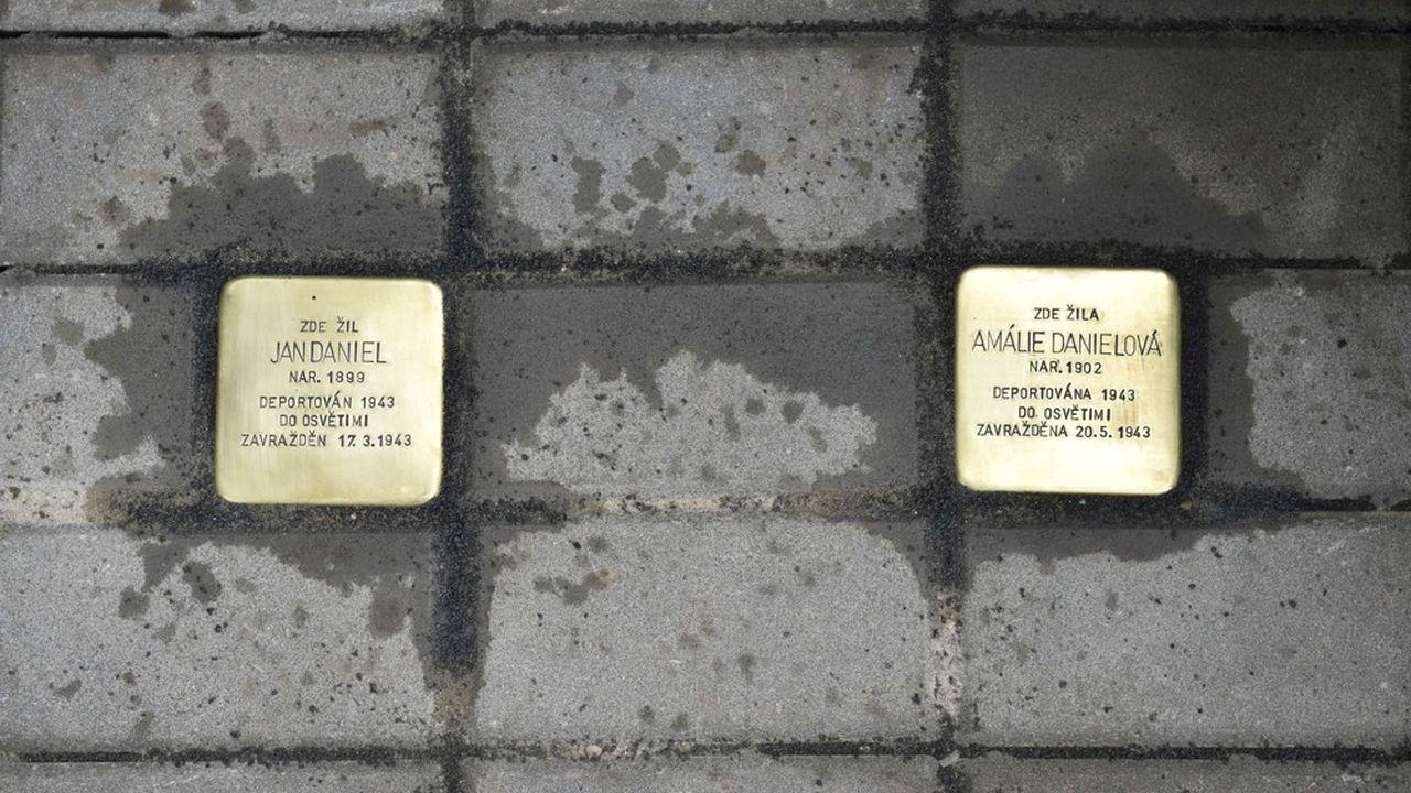 Développé à Cologne, le concept des 'Stolpersteine' a été imaginé en 1992 par l'artiste allemand Gunter Demnig.