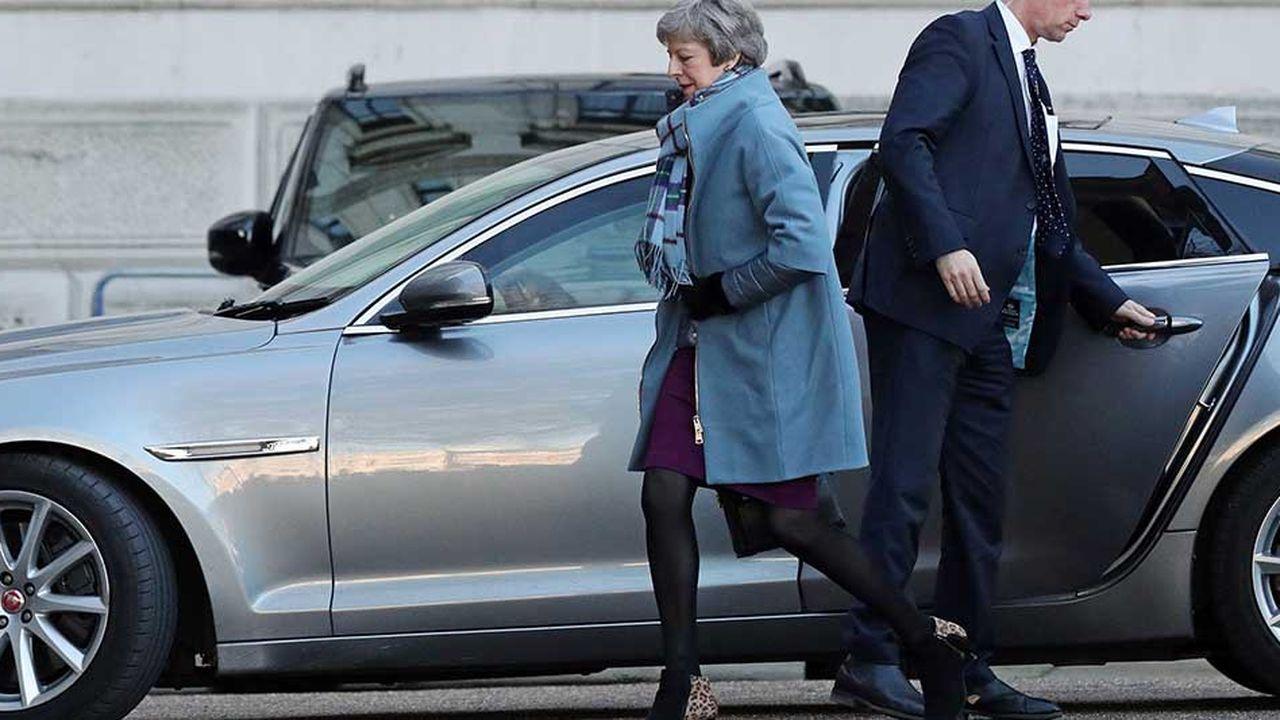 Theresa May peut s'attendre au meilleur comme au pire, dans les heures qui viennent, avant même de savoir lesquelles des propositions des parlementaires seront retenues par le speaker de la Chambre des communes John Bercow pour être mises au vote.