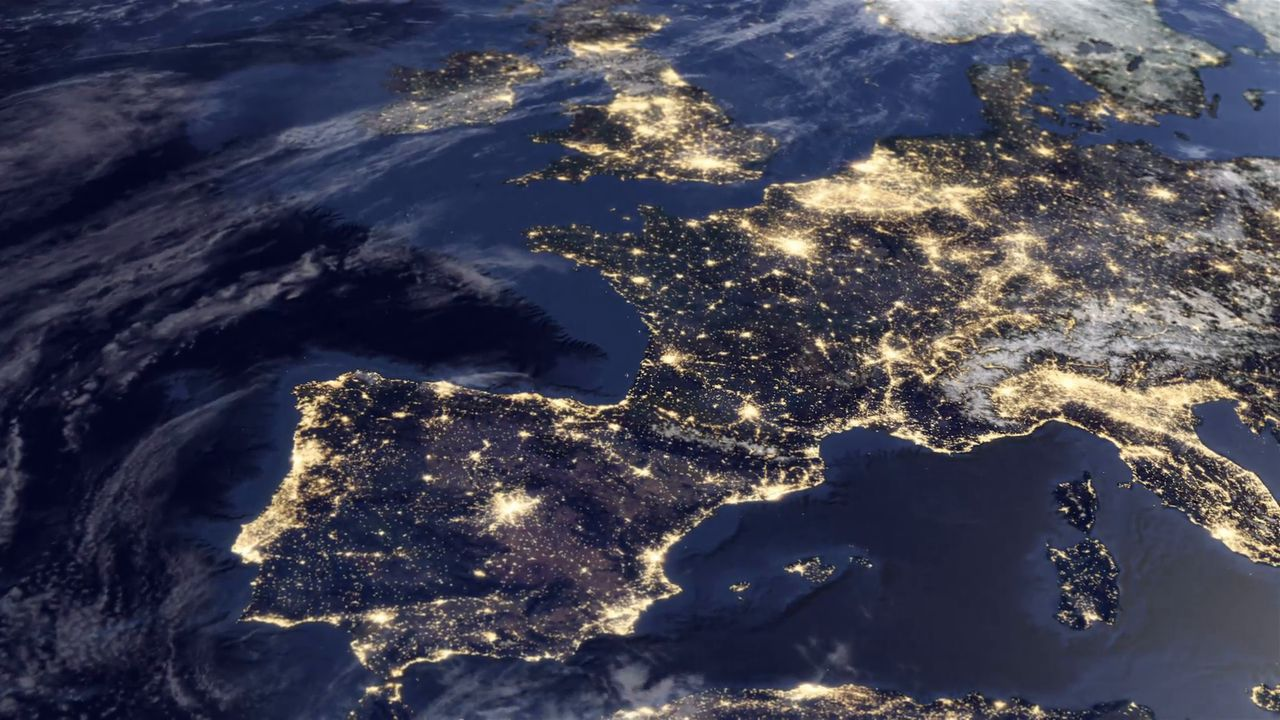 a-very-detailed-satellite-view-of-europe-at-dawn_ekxhwzp0__F0004.jpg