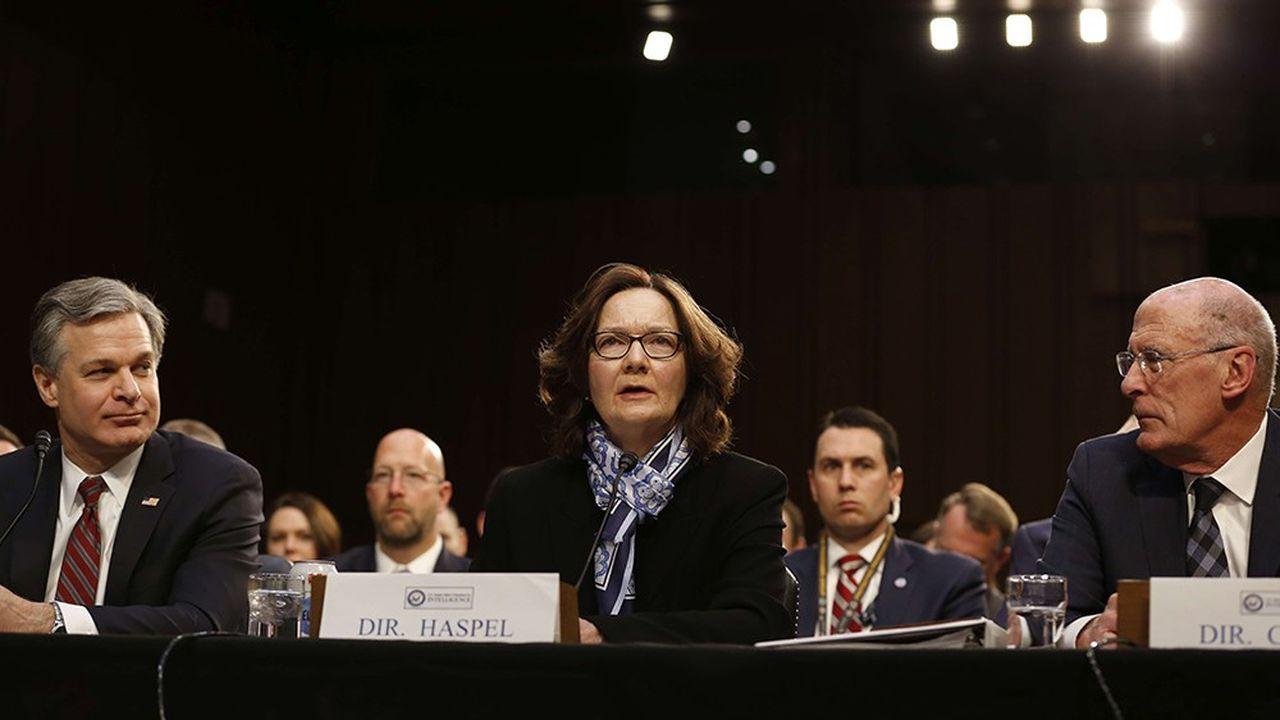 La directrice de la CIA, Gina Haspel, s'inquiète des menaces d'une alliance entre Pékin et Moscou pour les Etats-Unis, lors d'une audition mardi devant une commission du Sénat américain. A gauche, le directeur du FBI Christopher Wray et à droite celui du renseignement national Daniel Coats.