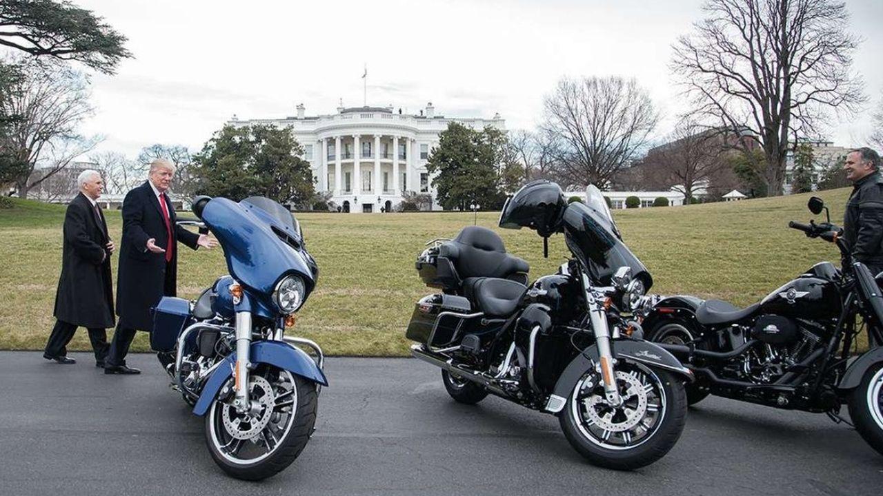 Sur Twitter l'an dernier, Donald Trump s'en est pris plusieurs fois à Harley-Davidson après que l'entreprise a annoncé son intention de transférer une partie de sa production à l'étranger