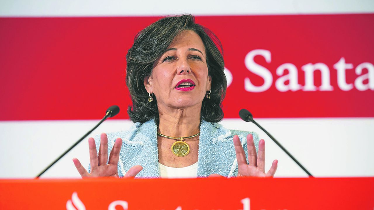 Ana Botin, la présidente de Santander, annonce un bénéfice en hausse de 18%, à 7,8milliards d'euros. Photographer: Angel Navarrete/Bloomberg