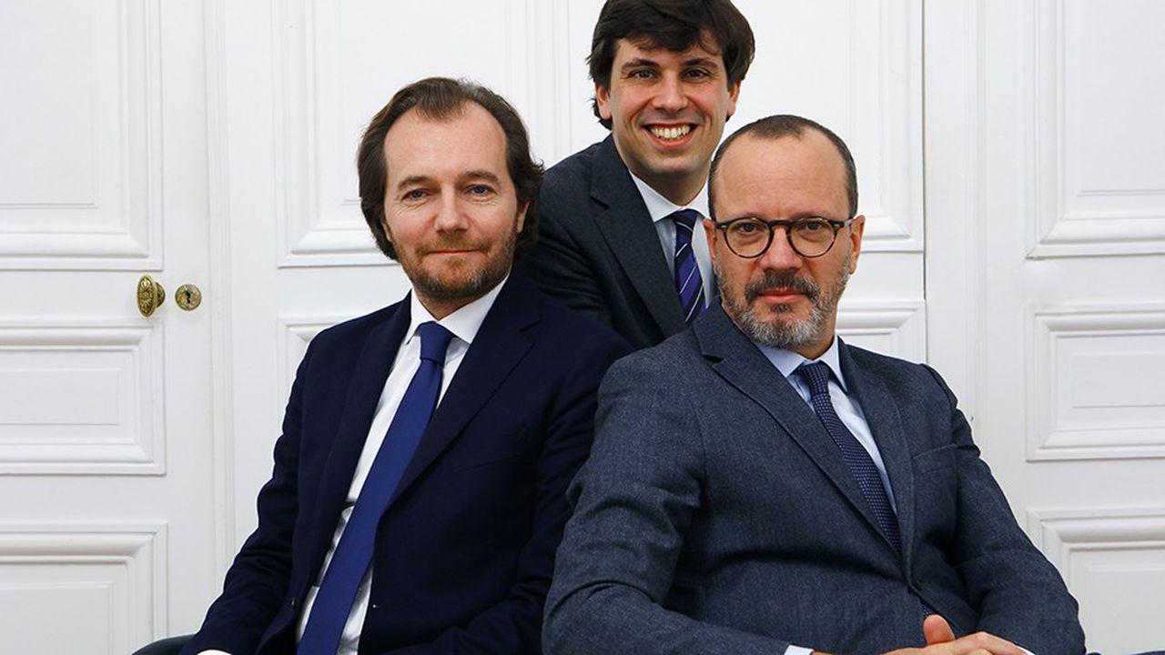 Les avocats Emmanuel Marsigny, Louis Guesdon et Cyril Gosset (de gauche à droite) participent ensemble à la consolidation du marché du droit pénal parisien.