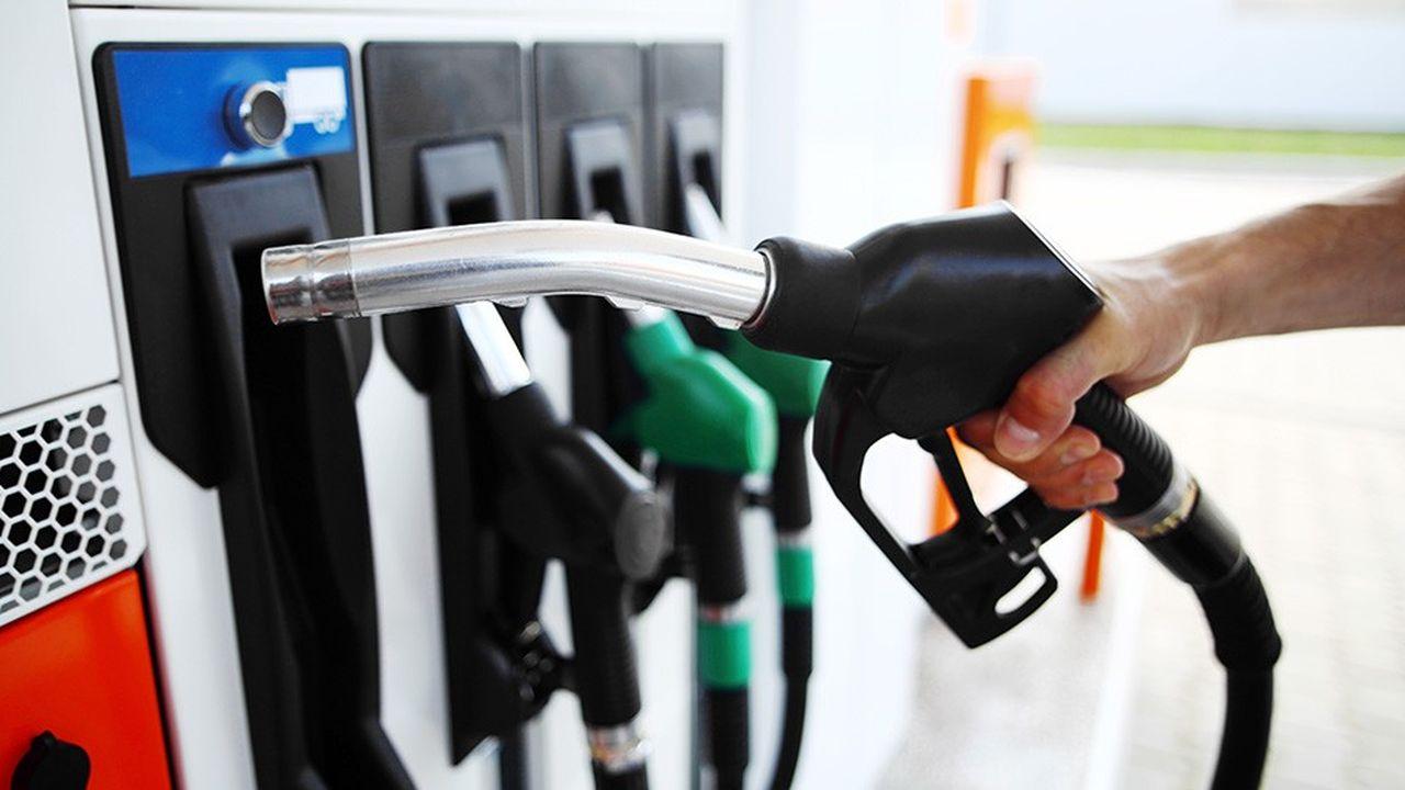 Le prix du baril de pétrole est passé de 86dollars début octobre à environ 60dollars à la fin janvier, ce qui a permis à l'indice des prix à la consommation de sérieusement ralentir ces derniers mois.