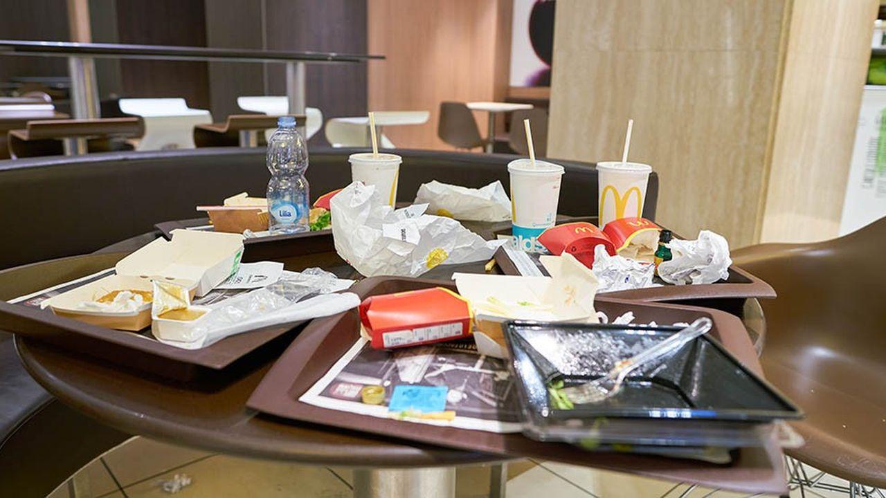 Selon Brune Poirson, les fast-foods génèrent 183.000 tonnes d'emballages et 60.000 tonnes de déchets alimentaires par an.