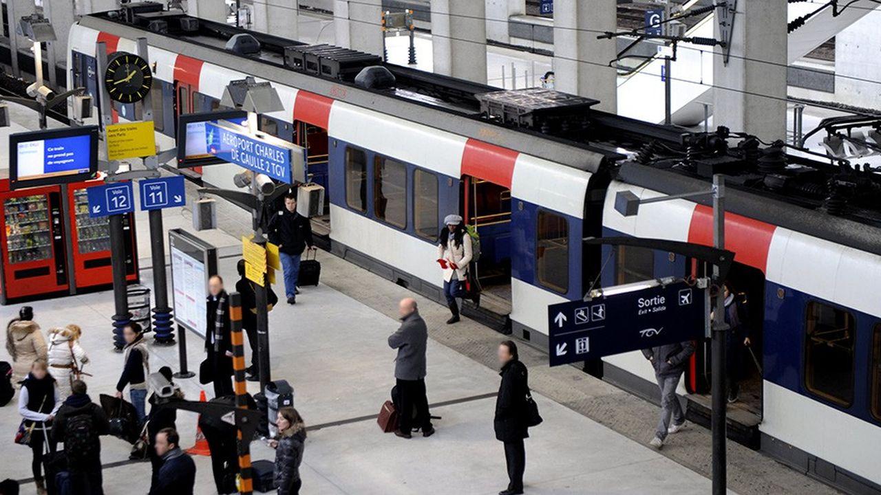 «Il paraît impossible de concilier sur la même ligne le bon fonctionnement du CDG Express et celui du RER B, qui est déjà bien malade», affirme l'association d'usagers franciliens Plus de trains.