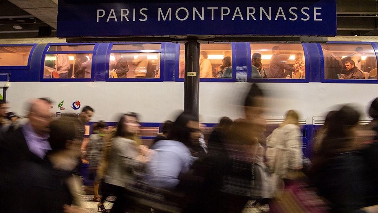 La série d'incidents enregistrés depuis ce matin gare Montparnasse à Paris a entraîné de retards allant de 40 minutes à 4heures.