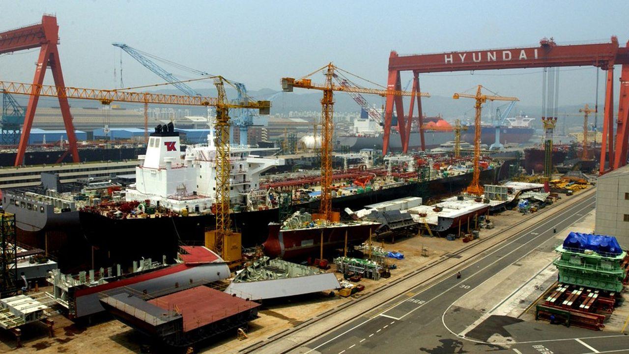 Après des mois de tractations orchestrées par le gouvernement, Hyundai Heavy Industries a indiqué qu'il était prêt à prendre le contrôle de Daewoo Shipbuilding & Marine Engineering, numéro deux du secteur