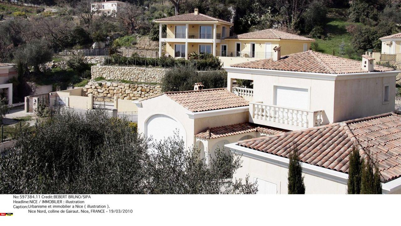Les biens de Sergueï Pougatchev en France (notamment le château de Gairaut, à Nice, un yacht, un chalet dans la station de Valberg et une résidence à Saint-Jean-Cap-Ferrat) ont été saisis à titre conservatoire en 2016.