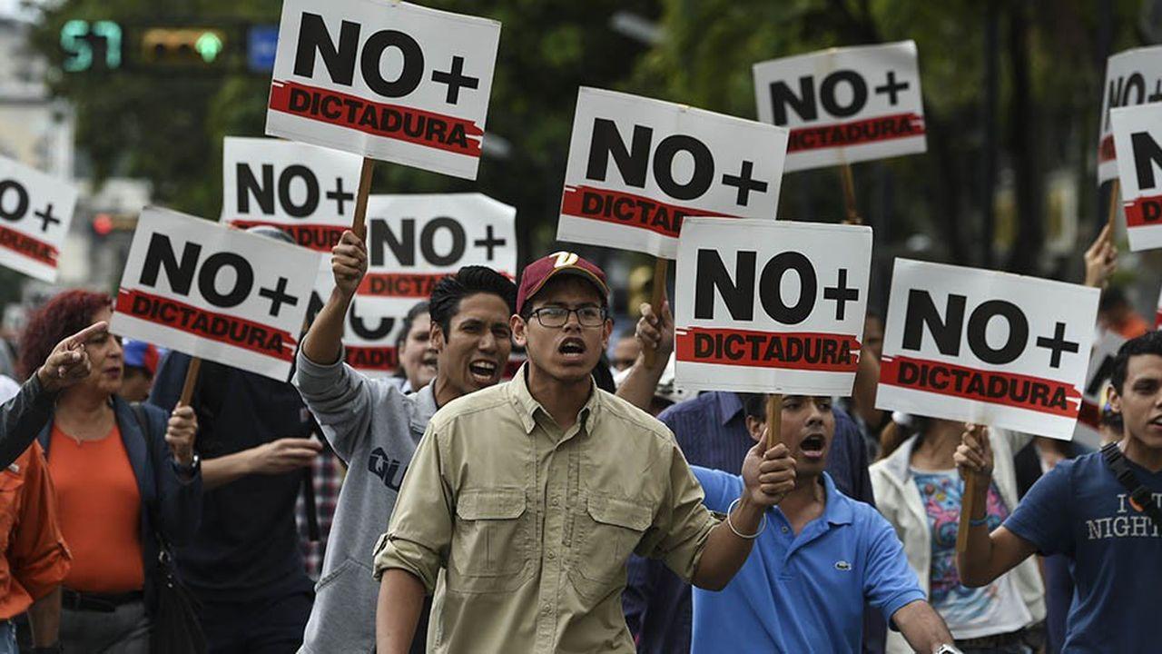 Manifestation demandant le départ de Nicolás Maduro, le 30 janvier à Caracas.