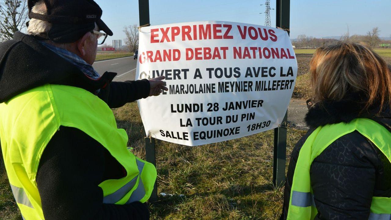 Citoyens, associations, élus sont appelés à s'exprimer sur les quatre grands thèmes retenus par l'exécutif (fiscalité, transition écologique, organisation de l'Etat et démocratie et citoyenneté) et sur la trentaine de questions posées par Emmanuel Macron dans sa «lettre aux Français».